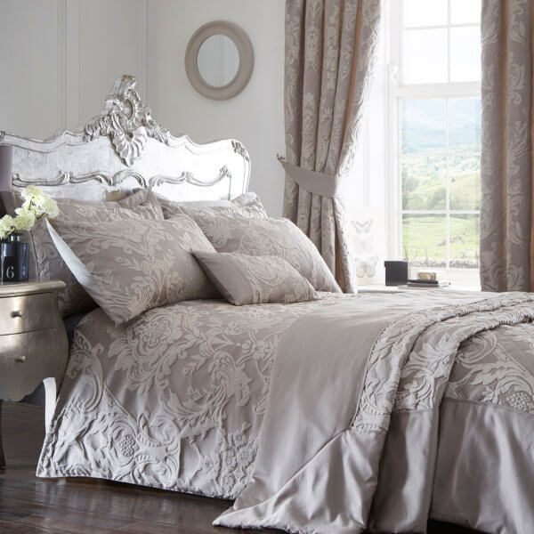 Howard Design Duvet Cover. Silver. Super King Size
